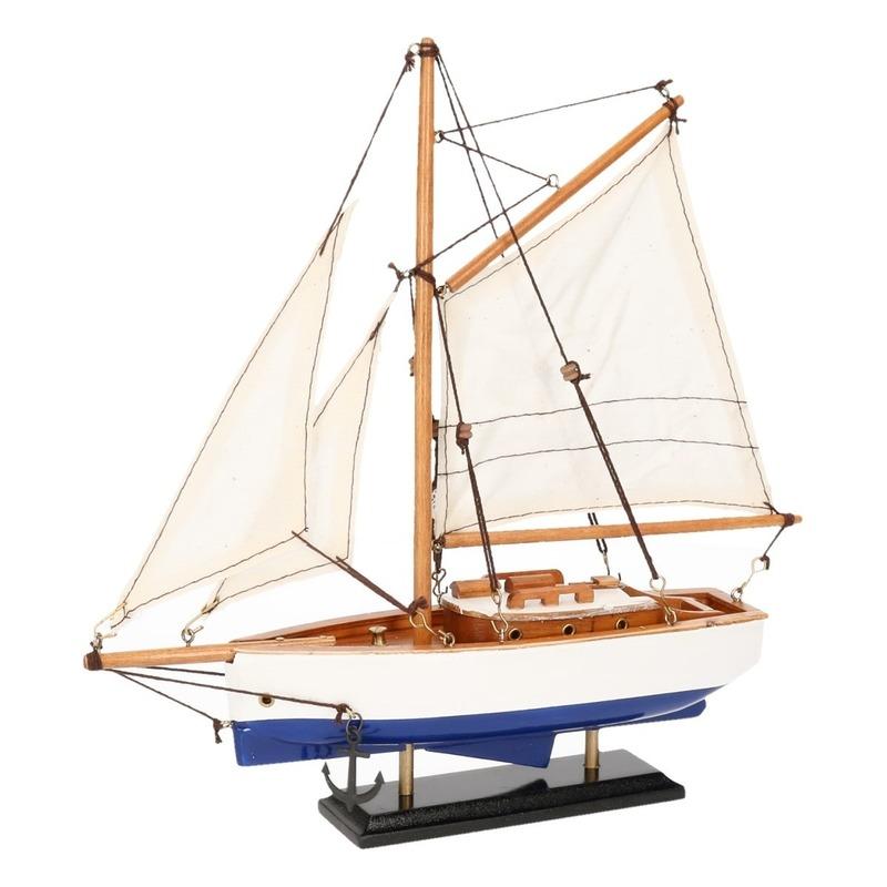 Decoratie zeilboot model jacht blauw-wit 23 cm