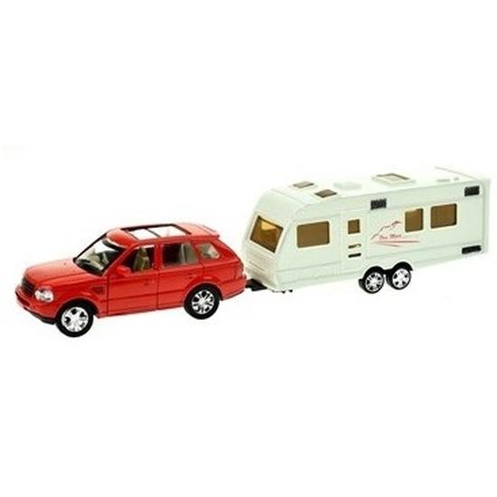 Rode speelgoed auto met caravan aanhanger